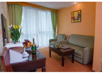 Люкс 2-местный 2-комнатный (с балконом)