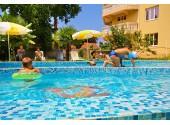 Отель «Эпрон» Территория, бассейн