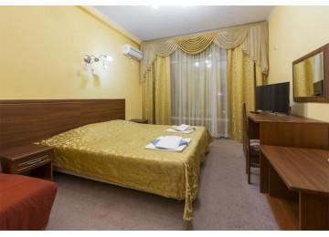 Отель  «М-Отель» Люкс 2-местный 2-комнатный