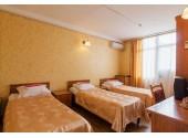 Отель « Нептун Адлеркурорт»Стандартный трехместный номер 1-й категории