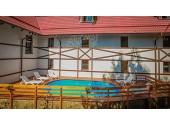 Отель «Генрих» Внешний вид, территория, бассейн