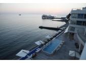 Отель «Санремо» апарт-отель, вид на открытый бассейн