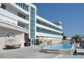 Отель «Санремо» апарт-отель  вид на открытый бассейн